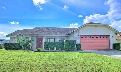 Attirant 7826 Indian Ridge Trl S, Kissimmee, FL 34747