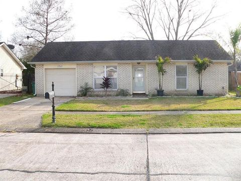 Photo of 2745 Collette Dr, Marrero, LA 70072