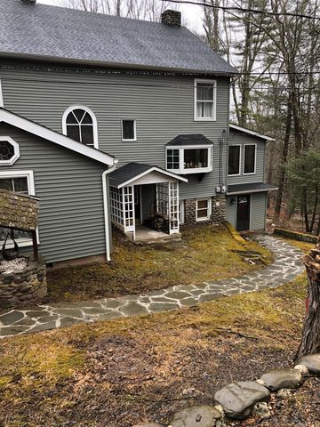 Photo of 3128 Old Canadensis Hill Hl, Cresco, PA 18326