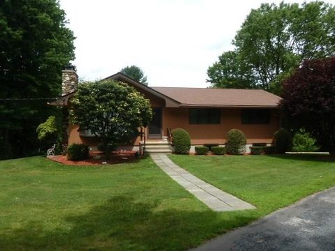 43 Naser Rd, Litchfield, CT 06759