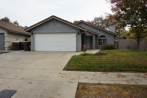 1831 Henshaw Ave, Tulare, CA 93274
