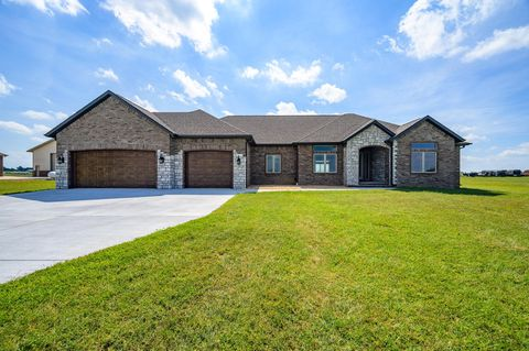 Photo of 118 Clearview Ct, Ozark, MO 65721