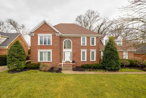 303 Coralberry Rd, Louisville, KY 40207