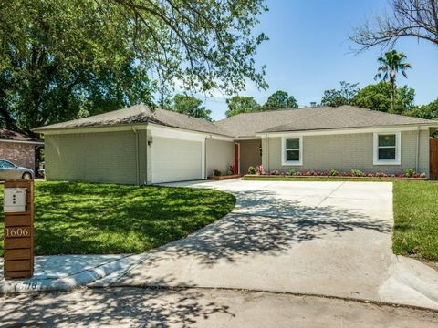 1606 W Aspen Grove Dr  Houston  TX 77077. Houston  TX Real Estate   Houston Homes for Sale   realtor com