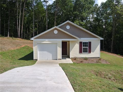 Photo of 121 Sweet Farm Rd, Anderson, SC 29621