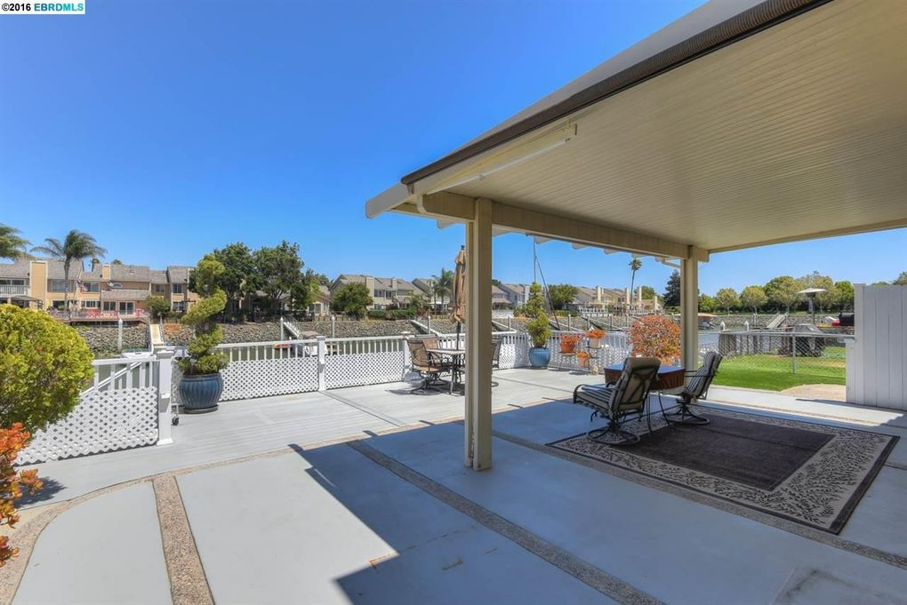 158 heron dr pittsburg ca 94565 for Kitchen cabinets 94565
