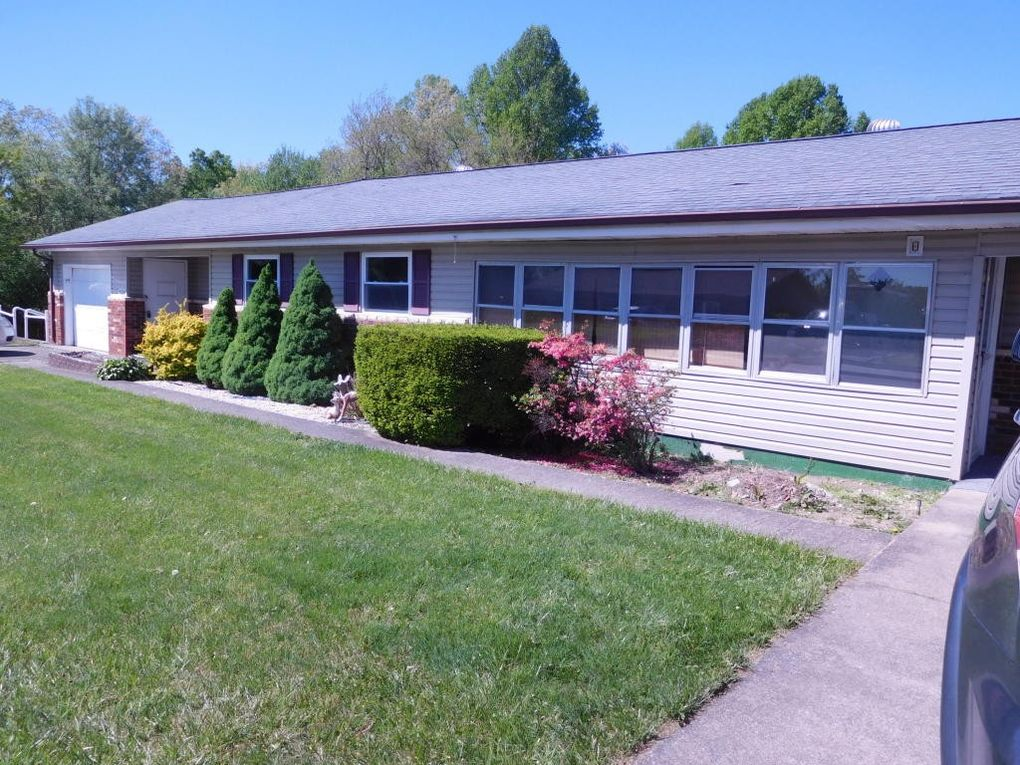 124 brown st beckley wv 25801 for Home builders beckley wv