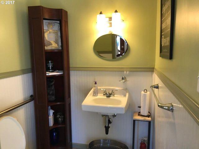 Bathroom Fixtures Eugene Oregon 1627 pearl st, eugene, or 97401 - realtor®