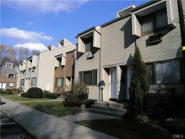 168 Belltown Rd Apt 30, Stamford, CT 06905