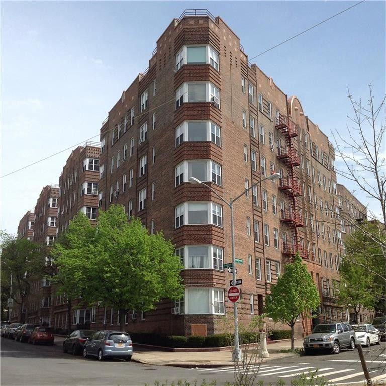 Bronx Realty Apartments For Rent: 601 Pelham Pkwy N Apt 305, Bronx, NY 10467