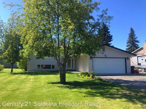 Photo of 335 W Rockwell Ave, Soldotna, AK 99669