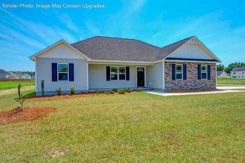Photo of 705 Crystal Cove Ct, Sneads Ferry, NC 28460