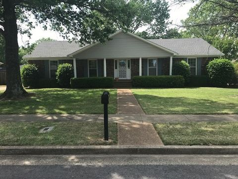 33 Greencastle Dr  Jackson  TN 38305. Jackson  TN Real Estate   Jackson Homes for Sale   realtor com