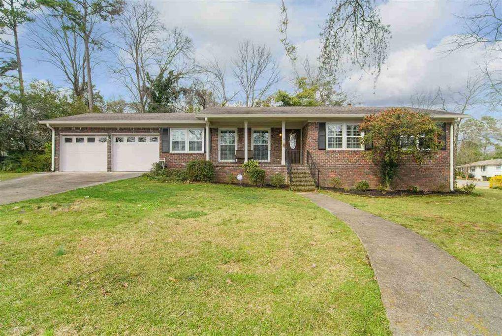 1416 Holly Oak Dr, Vestavia Hills, AL 35226