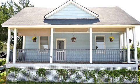 16 Hazel St, Porterdale, GA 30014