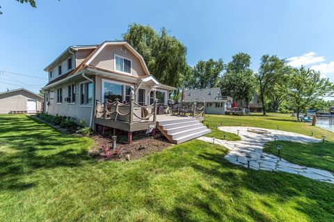Photo of 37456 N Terrace Ln, Spring Grove, IL 60081