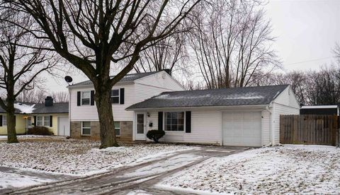 Photo of 1021 N Lincolnshire Blvd, Marion, IN 46952