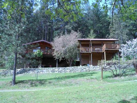 2821 Middle Creek Ranch Rd, Horse Creek, CA 96050