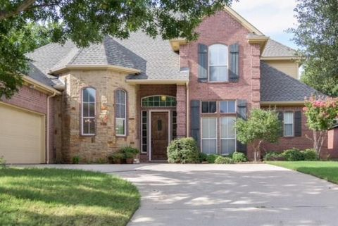 Photo of 2211 Creek Crossing Dr, Corinth, TX 76210