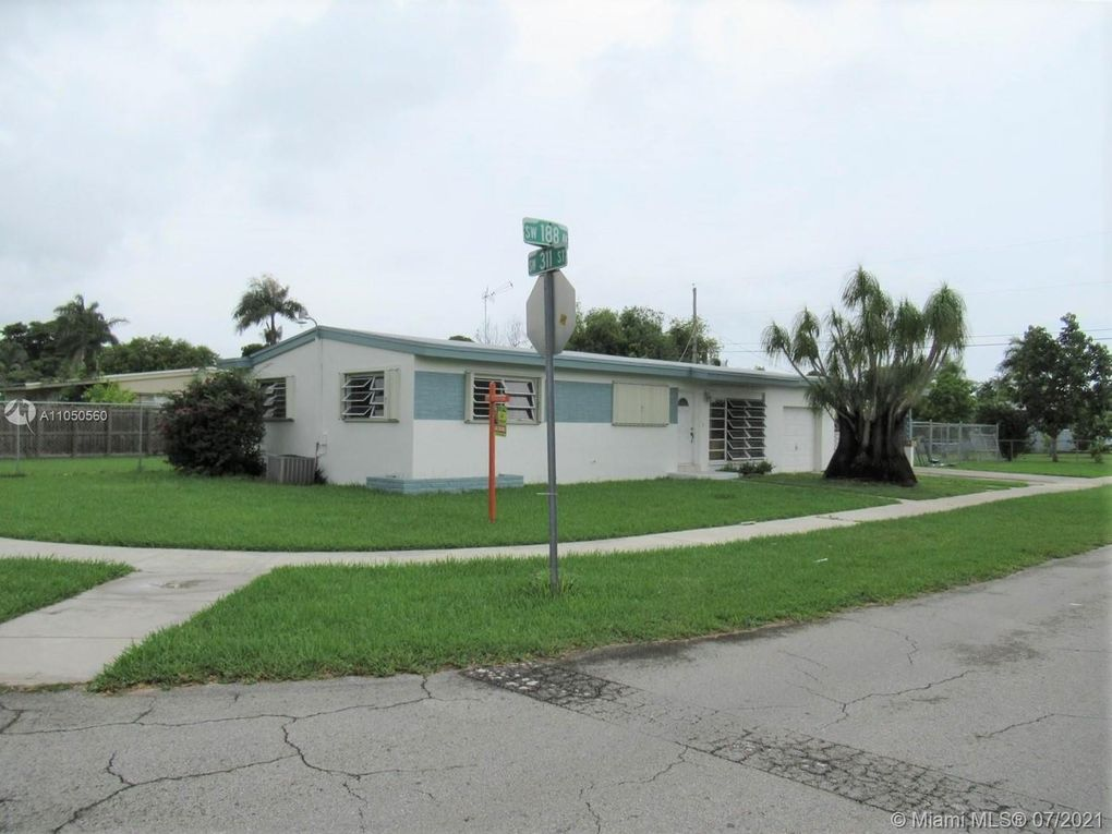 900 NW 16 Ave Homestead, FL 33030