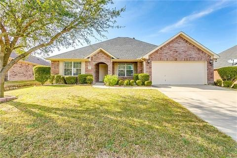 Photo of 1054 Saint Andrews Dr, Burleson, TX 76028