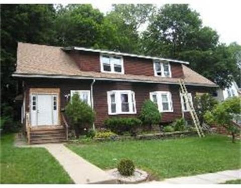 30 32 Beaconsfield, Worcester, MA 01602