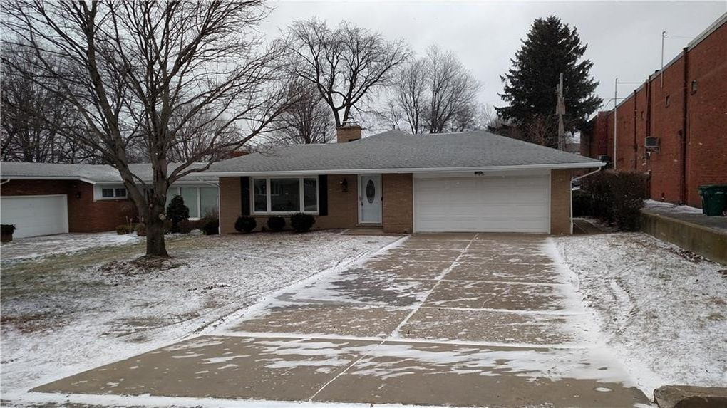 715 Indiana Dr, Erie, PA 16505