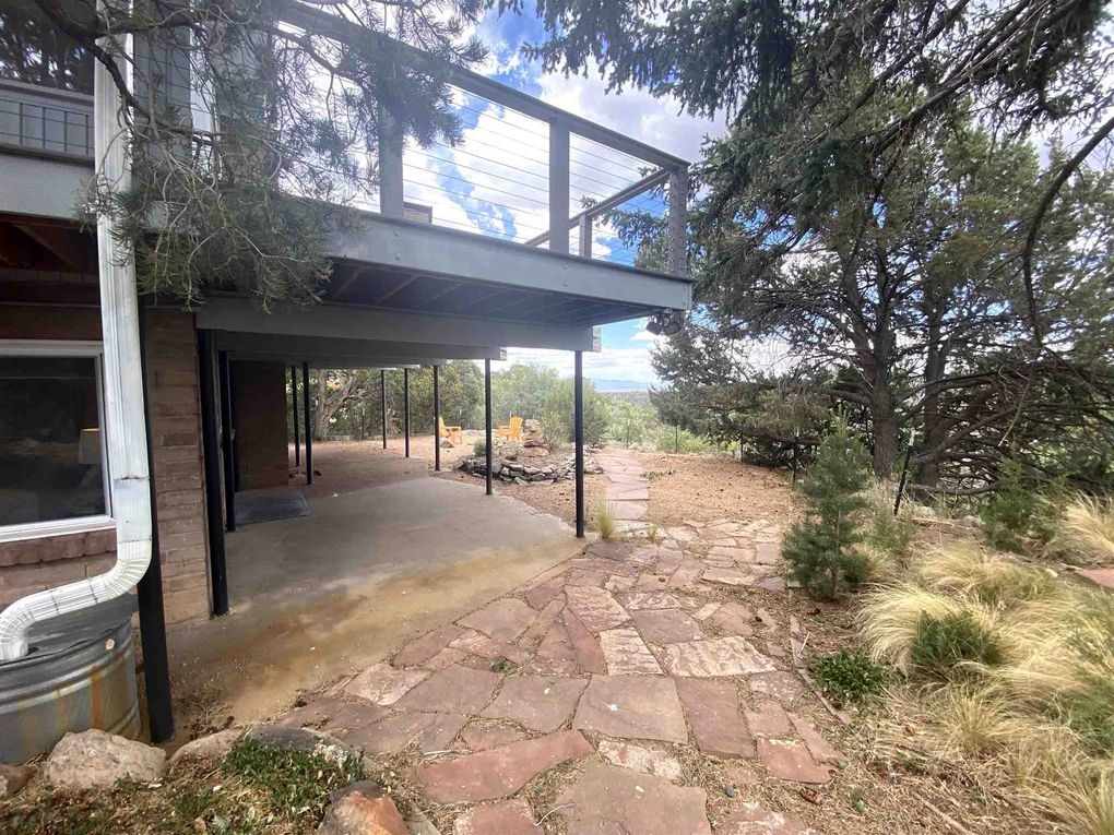 981 Barranca Rd Los Alamos, NM 87544