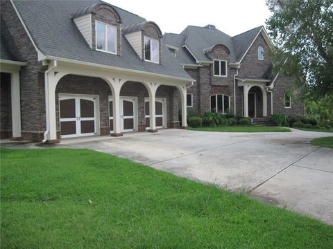 Photo of 4826 Rose Heights Dr, Flowery Branch, GA 30542