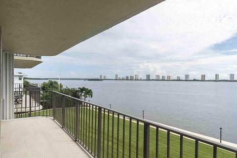 801 Lake Shore Dr Apt 302, Lake Park, FL 33403