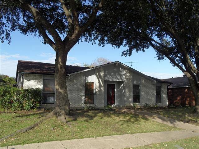 11739 Featherbrook Dr Dallas, TX 75228