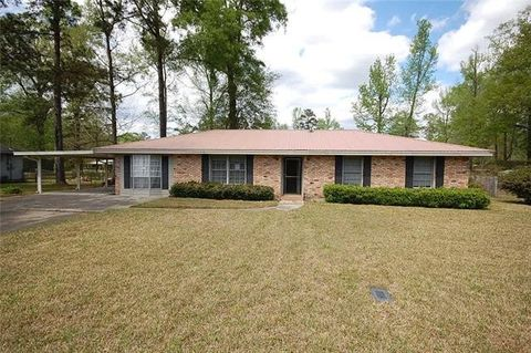 Photo of 1015 White Bay Ct, Bogalusa, LA 70427