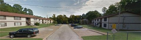 Photo of 705 Clifford St, Center, TX 75935