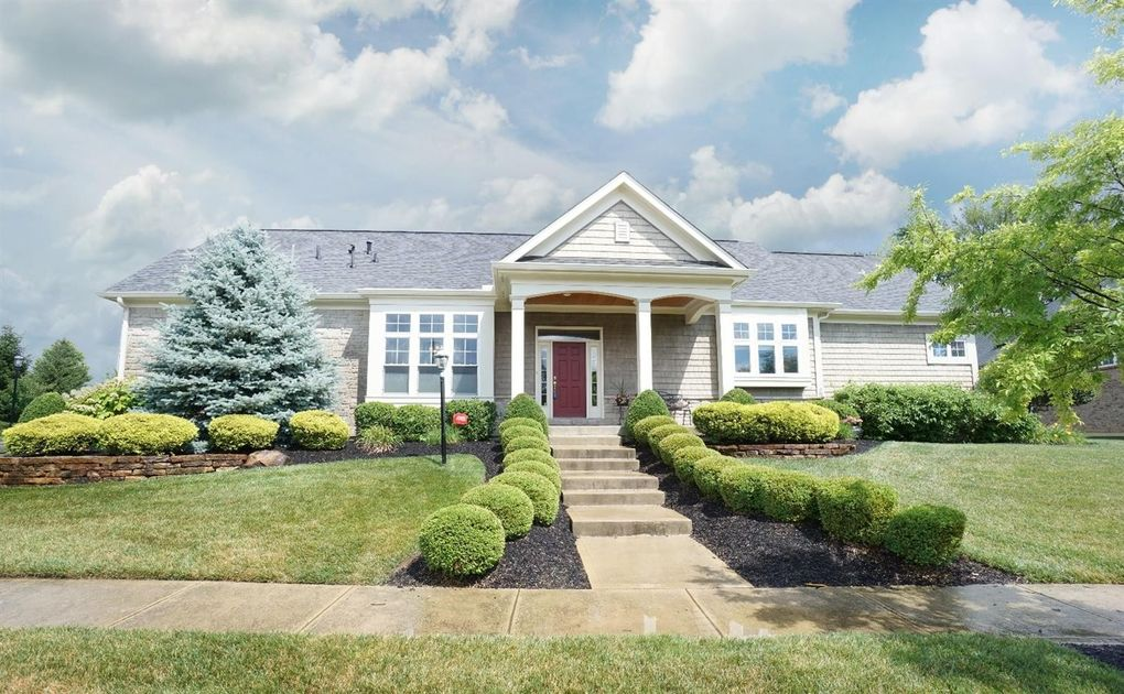 7064 Harbour Town Dr, West Chester, OH 45069