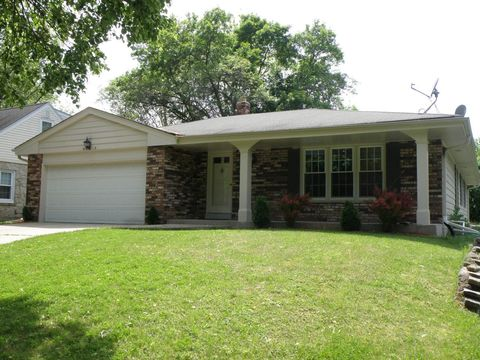 Photo of 2525 N 115th St, Wauwatosa, WI 53226