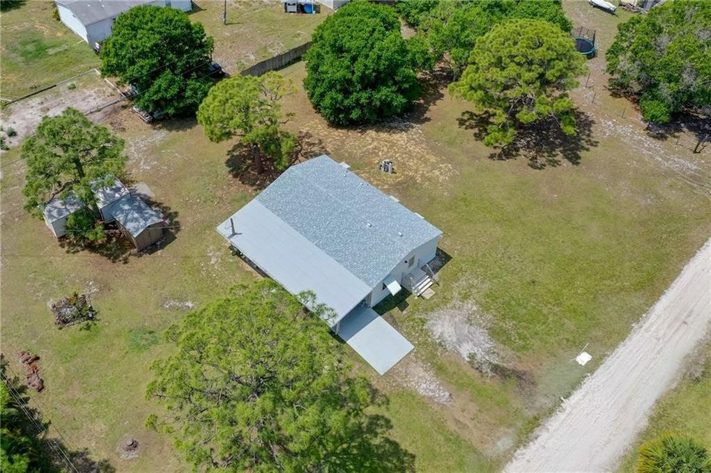 7865 128th Ct, Sebastian, FL 32958