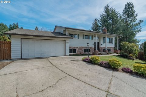 Photo of 10744 Se 99th Dr, Happy Valley, OR 97086