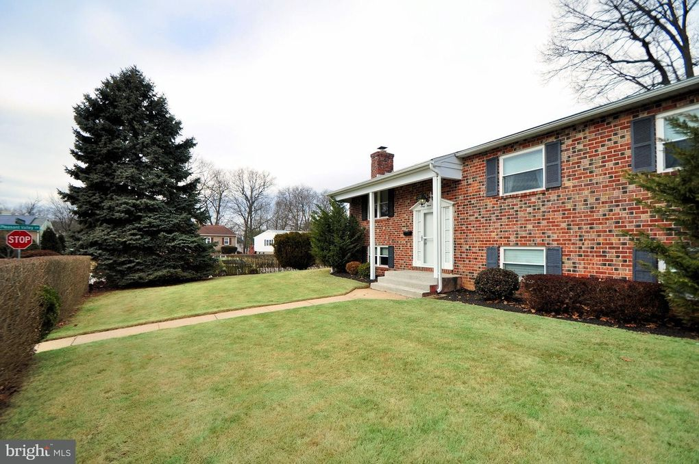 6308 Collinsway Rd, Baltimore, MD 21228