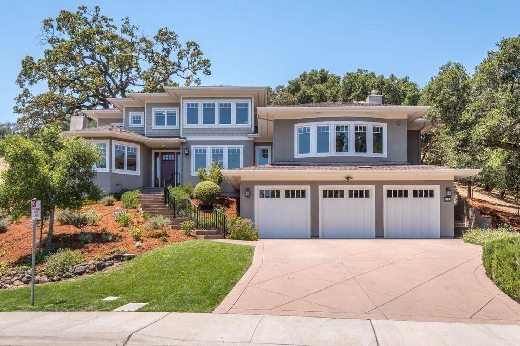 30 Palomar Oaks Ln, Redwood City, CA 94062