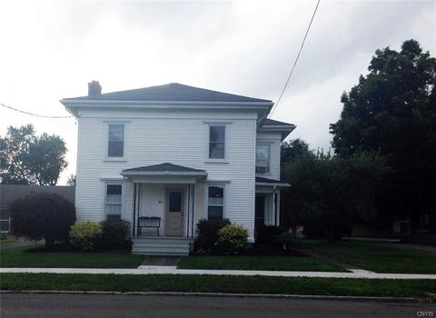 Photo of 36 State St, Tully, NY 13159