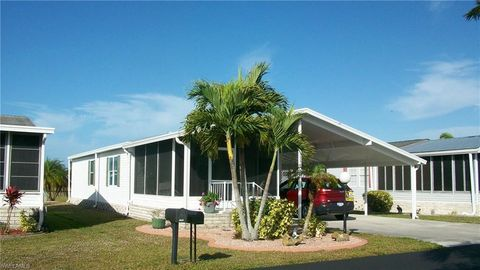 Crystal Lakes Manufactured Homes, Fort Myers, FL Real Estate & Homes