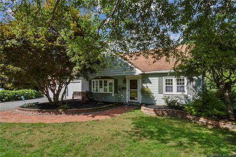 Peachy 9 Nelson St Brooklyn Ct 06234 Home Interior And Landscaping Sapresignezvosmurscom