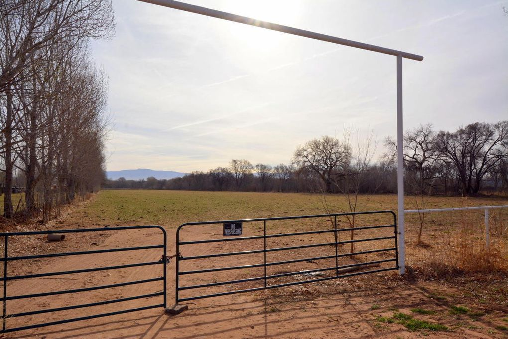 Carrasco Lane Vigil Land # 10AC Los Lunas, NM 87031