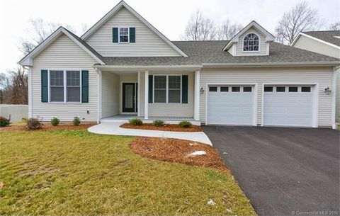17 Whiting Farms Ln, East Lyme, CT 06357
