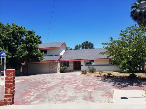 Photo of 6937 Bluebell Ave, North Hollywood, CA 91605