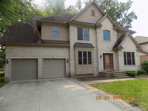 Photo of 13556 Woodland Ct, Sterling Heights, MI 48313