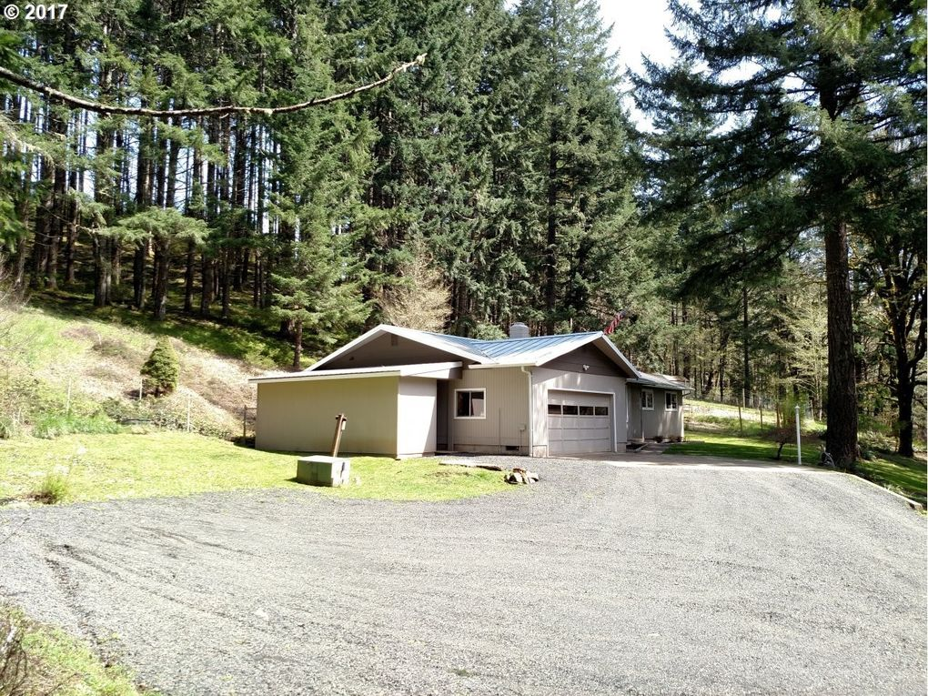 23981 High Pass Rd, Junction City, OR 97448