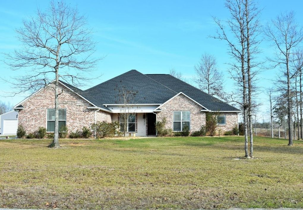2400 Timber Ln, Lucedale, MS 39452