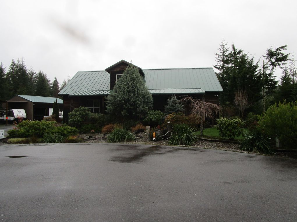 69265 Sandpoint Rd, North Bend, OR 97459