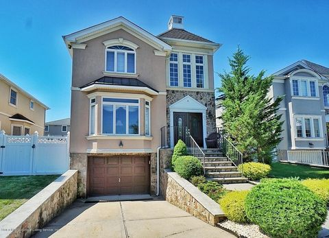 64 Indale Ave, Staten Island, NY 10309